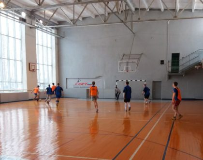 Первые игры соревнования по мини футболу