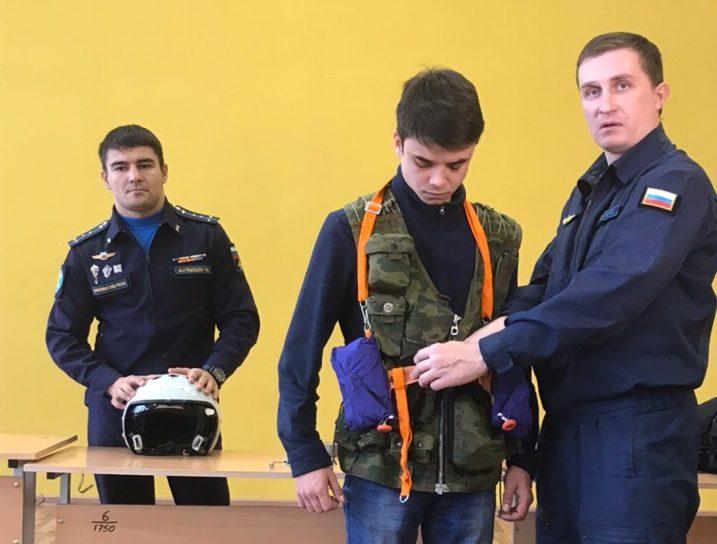 Встреча студентов с военнослужащими